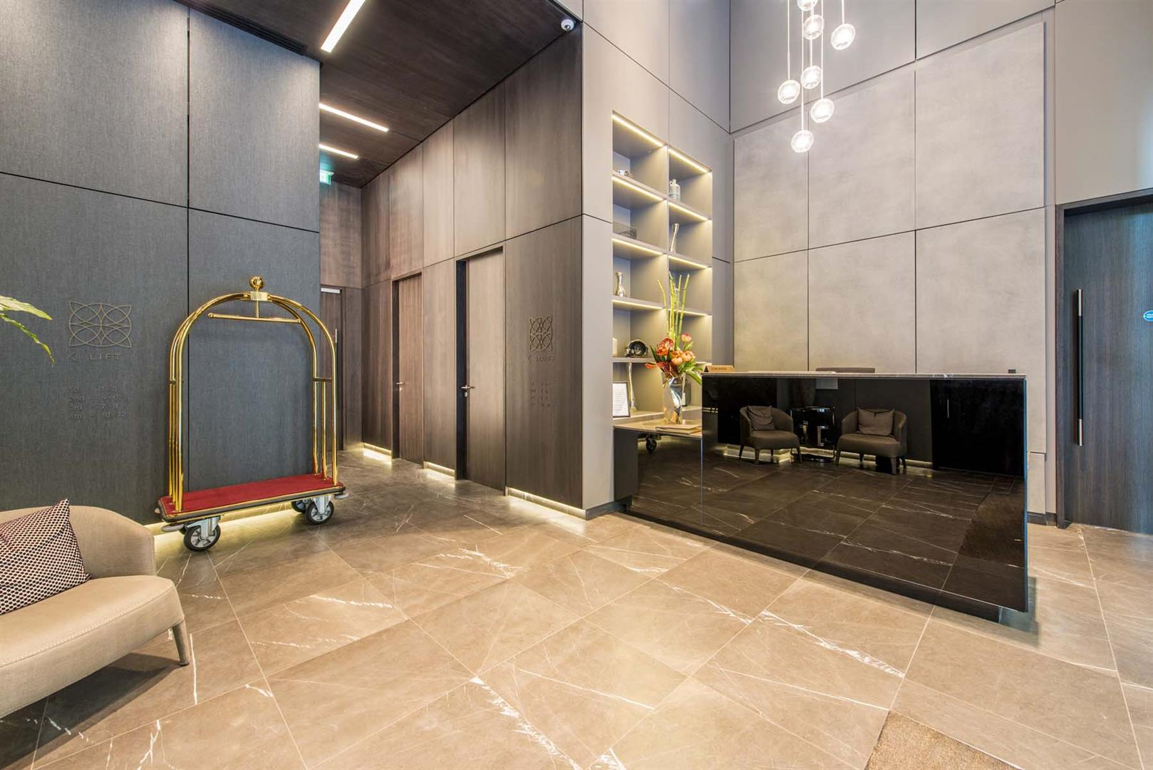 1 Bedroom Flat for sale in Sandringham House, One Tower Bridge, South Bank, London SE1